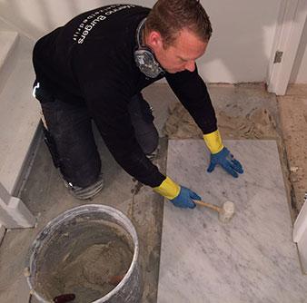 tegelzetter-menno-burgers-amsterdam-tegelvloer-tegelwand-natuursteen-zwembad-keukens-badkamers-tegelen-tegels-zetten