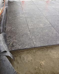 tegelzetter-menno-burgers-amsterdam-natuursteen-vloer-specie-gelegd-loetje-centraal-station