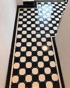 tegelzetter-menno-burgers-amsterdam-natuursteen-mozaiek-vloeren-wanden-badkamer-zwembad-keramische-tegels-vloer-winckelmans-patroonvloer-rijswijk_NAV