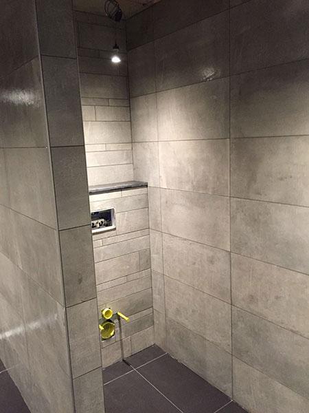 Badkamer wanden zonder tegels marktplaats divisorio badkamer zonder voegen stukadoors en - Badkamer in m ...