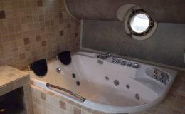 tegelzetter-menno-burgers-amsterdam-natuursteen-mozaiek-vloeren-wanden-badkamer-zwembad-badkamer-woonboot-amstel-amsterdam_1