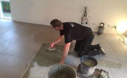 tegelzetter-menno-burgers-amsterdam-natuursteen-mozaiek-vloeren-wanden-badkamer-zwembad-keramische-tegels-75-x-75-vloer-hoofddorp_2