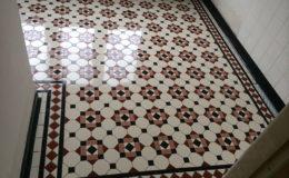 tegelzetter-menno-burgers-amsterdam-natuursteen-mozaiek-vloeren-wanden-badkamer-zwembad-vloer-terras-keramische-tegels-mozaiekvloer-badkamer-overveen_4