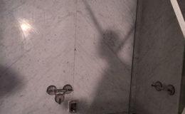 tegelzetter-menno-burgers-amsterdam-natuursteen-mozaiek-vloeren-wanden-badkamer-zwembad-vloer-terras-marmer-tegels-groot-formaat-kitlijm-badkamer-stadionweg-amsterdam_2