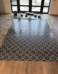 tegelzetter-menno-burgers-amsterdam-natuursteen-mozaiek-vloeren-wanden-badkamer-zwembad-keramische-tegels-vloer-patroon-parket-amsterdam